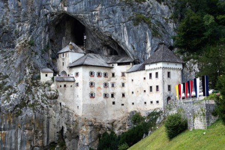 Postojna – Adelsberger Grotte und Burg Predjama